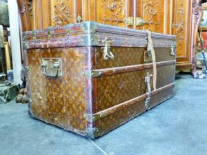 GENUINE OLD TRUNK LOUIS VUITTON. EARLY  XXTH