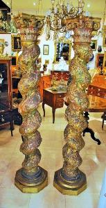 PAIR OF MAJESTIC TWISTED COLUMNS. END OF 17TH CENTURY.