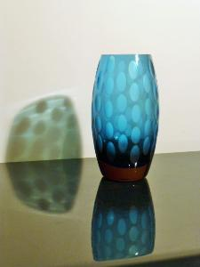 BLUE EGG SHAPED VASE FROM ERICH JACHMANN. CIRCA 1950.