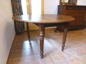 WALNUT FOLDING TABLE LOUIS XVI STYLE