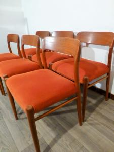 SET OF 6 SCANDINAVIAN CHAIRS J L MOLLER. 1954.