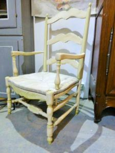 PAIR OF PROVENÇAL ARMCHAIR WHITE-LEADED. MIDDLE XXTH CENTURY